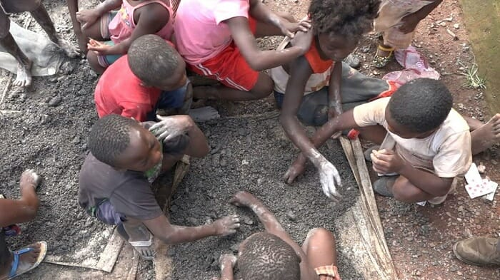 Cobalt-mining children in DR Congo